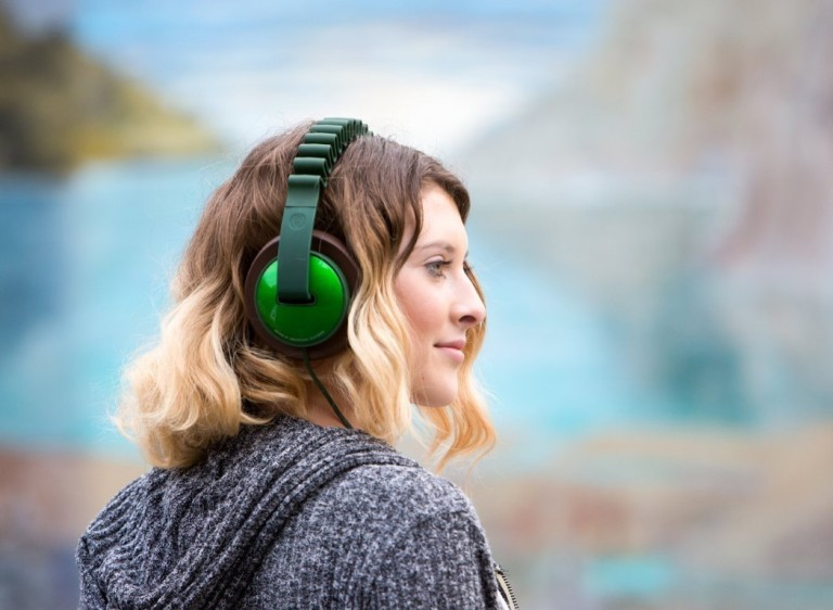 innowave_headphones_1.jpg