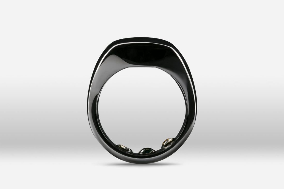 Mirror-Black-Ring-ProductView-Front-1200x800